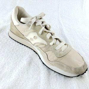 Saucony 10M Jazz Running Shoes Beige On Trend